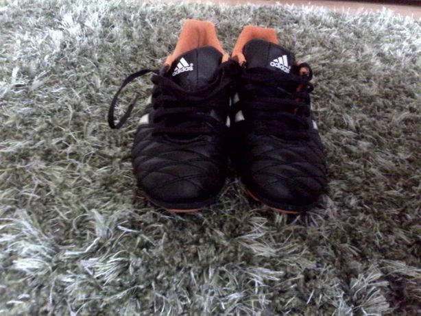 Ghete de fotbal Adidas !!