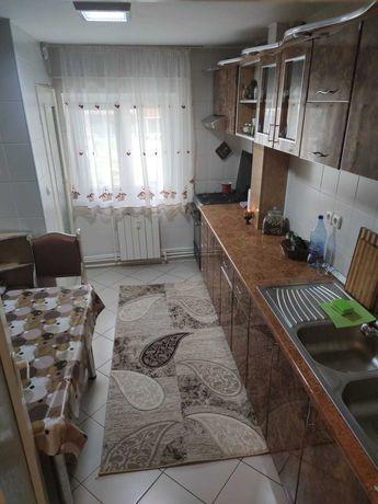 Vand apartament 3 camere decomandat, mobilat