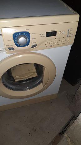Срочно продам рабочий стиральный машына 10000т