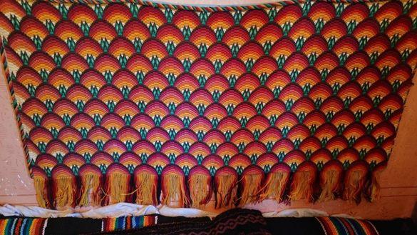 Красиви вълнени черги (ново) на метър, килим, куфор