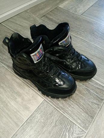 Продам осенние ботиночки 32р