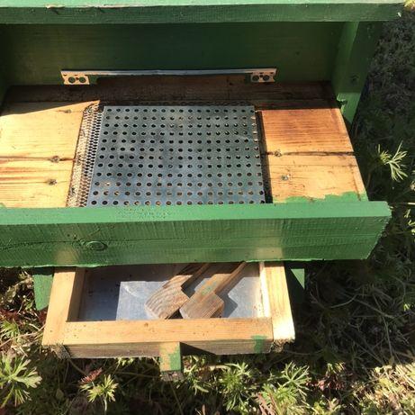 Пчелни дъна за пчелни кошери