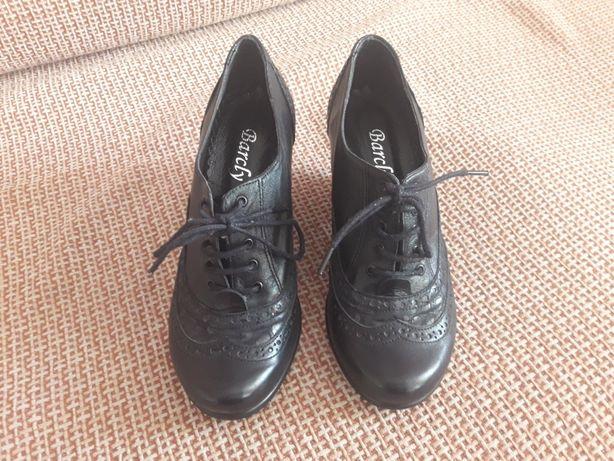 Продаются новые кожаные туфли.