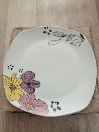 Тарелки сервиз  цветочек