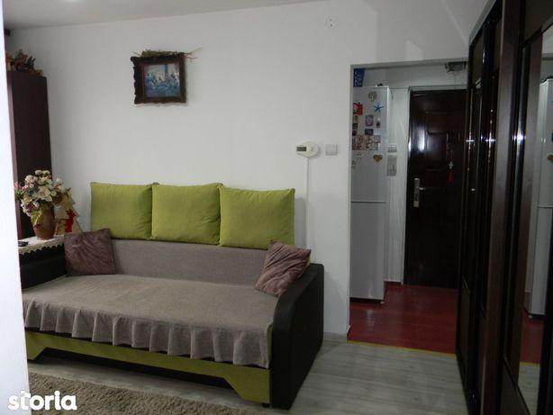 Vand apartament 2 camere, Cartier Florilor
