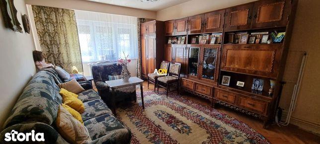 Apartament 2 camere, parter inalt, Tolstoi