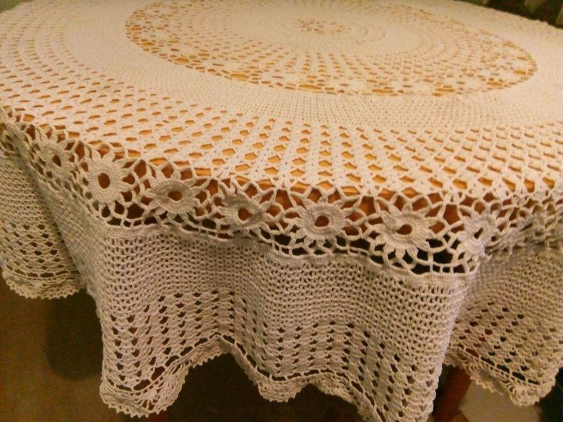 Ръчно плетена покривка за маса гр. Долни чифлик - image 1