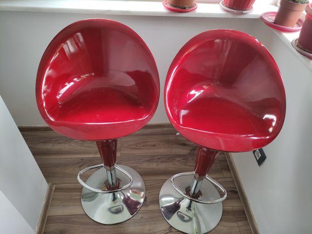 Vind 2 scaune  roșii bar