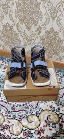 Продам антиварусную обувь для детей