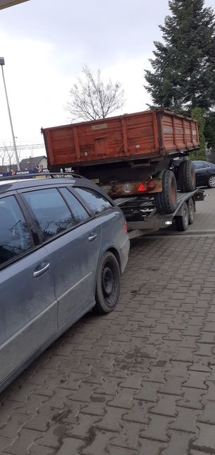 Transport auto trailer Radauti tractari auto platforma utilaje NonStop