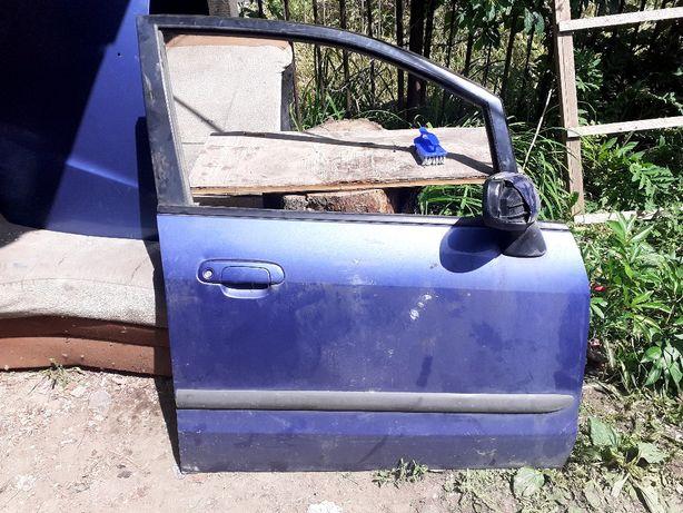 Продам двери на мазда  премаси правая передняя,задняя,левый задний