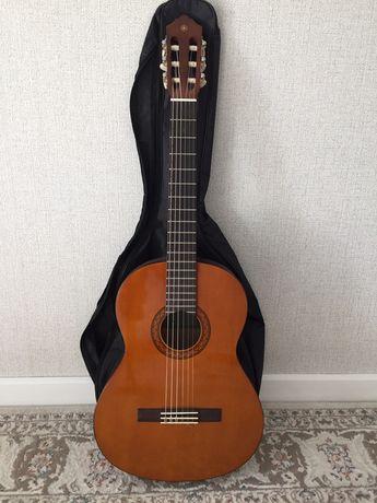 Продам гитару YAMAHA C40 Доставка по городу Бесплатно.
