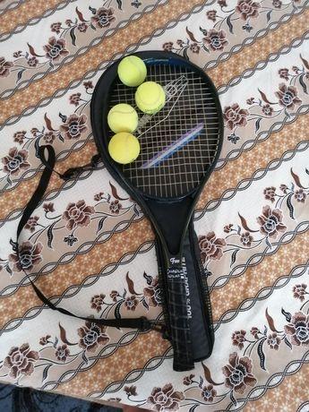 Vând rachetă pentru tenis de câmp pentru juniori