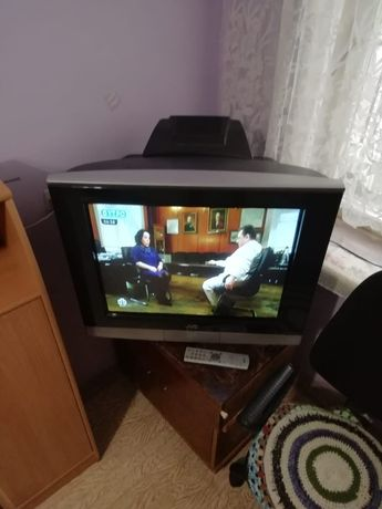 Телевизор JVC, с пультом