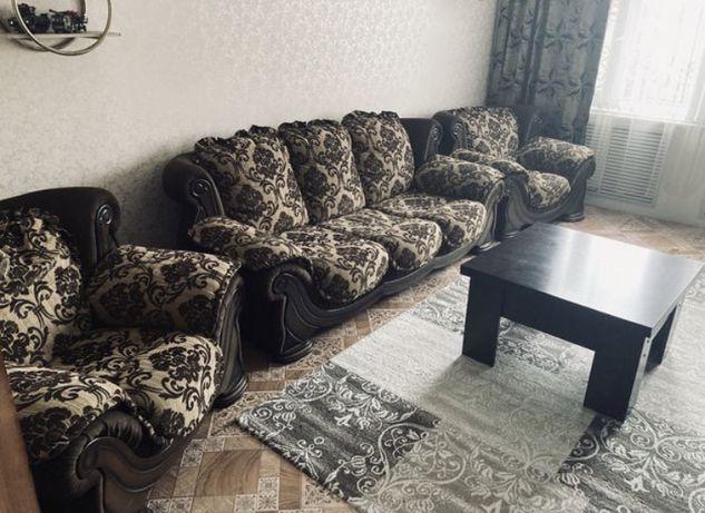 Срочно! Мягкий уголок (3:1:1) диван и два кресла