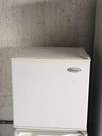 Мини холодильник  рабочий