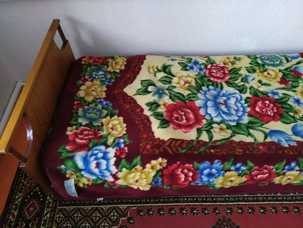 Кровати советские (железные,  деревянные).
