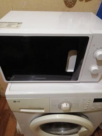 Продам микроволновую печь Samsung