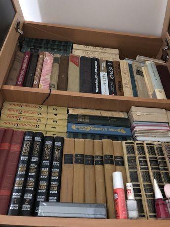 Продаю собрания сочинений, художественную литературу