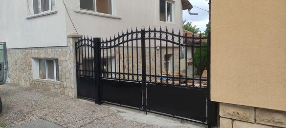 Метални врати, портали, огради, навеси