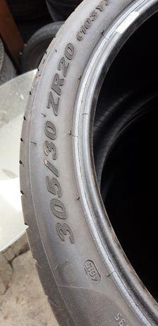 Гуми 305-30-20 два броя без издуто и криво по тях