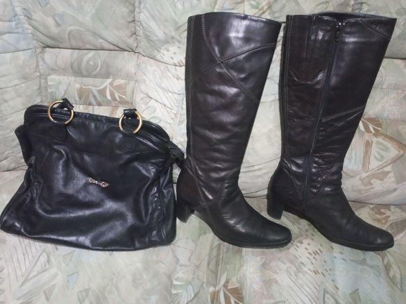 Черна кожена чанта и черни ботуши