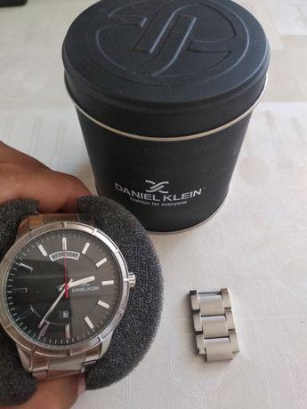 Наручные часы DK