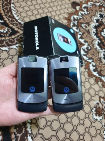Продам Motorola v3i