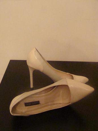 Pantofi stiletto mar. 38