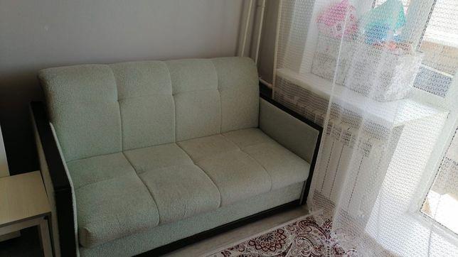 Диван кровать в хорошем состоянии