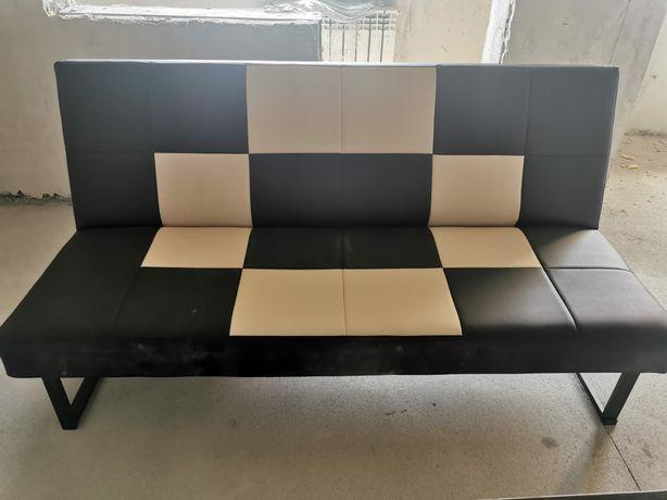 Продам диван в отличном состоянии