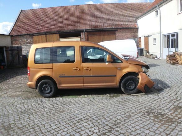НА ЧАСТИ! VW Caddy III 1.2 TSI 86 кс. LIFE 2013 г. Теглич CBZA CBZB
