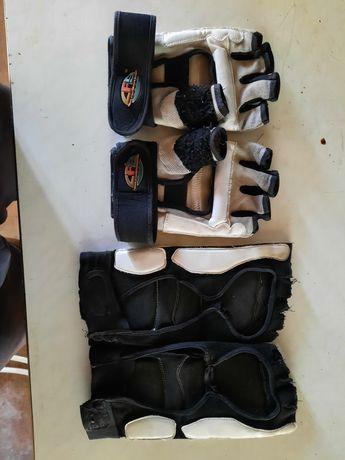 Перчатки и наколенники для Таеквондо.