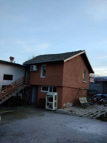 Хубава Къща с басен