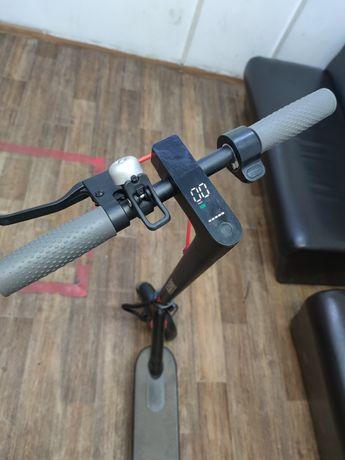 Самокат xiomi продам в практический новом состоянии.