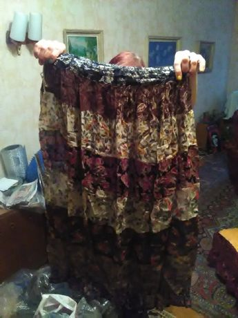Продавам дамски поли с индийски мотиви