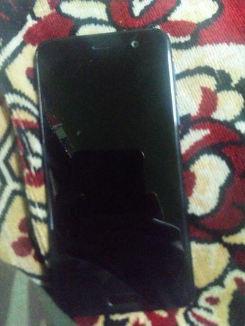 Vând HTC U Play (cu probleme cu bateria)