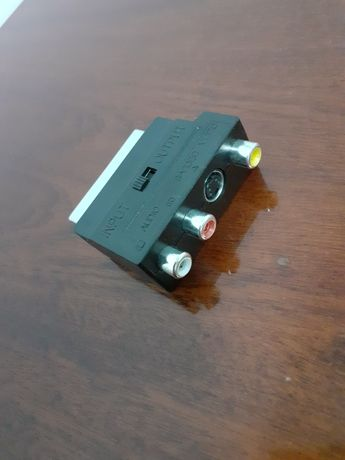 Adaptor scart/rca