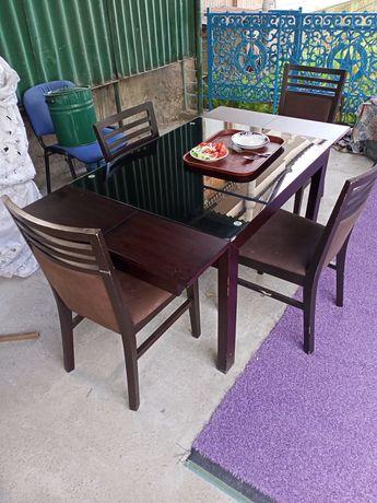 Продается стол со стульями