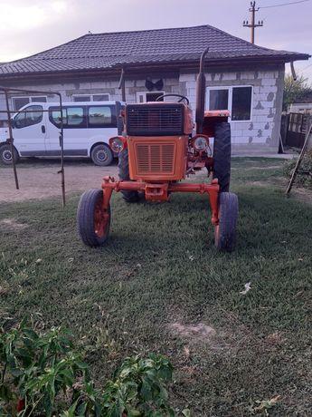 De vanzare Tractor u 445