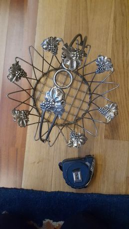 Obiect vechi confecționat din metal