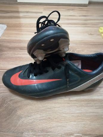 Калеври Nike Mercurial