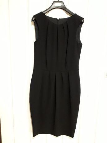 Стилна черна рокля
