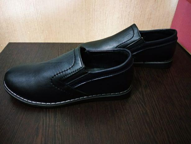 Обувь на мальчика новая