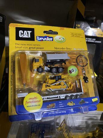 CAT jucarie macheta breloc mini buldozer tir din metal+ accesorii