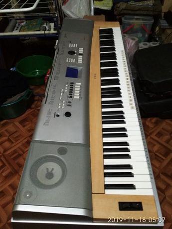 Пианино YAMAHA DGX-630