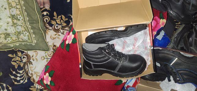 Обуви новые 40 размер