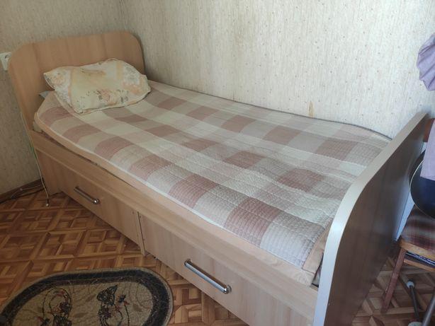 Односпальная кровать, с выдвижными ящиками