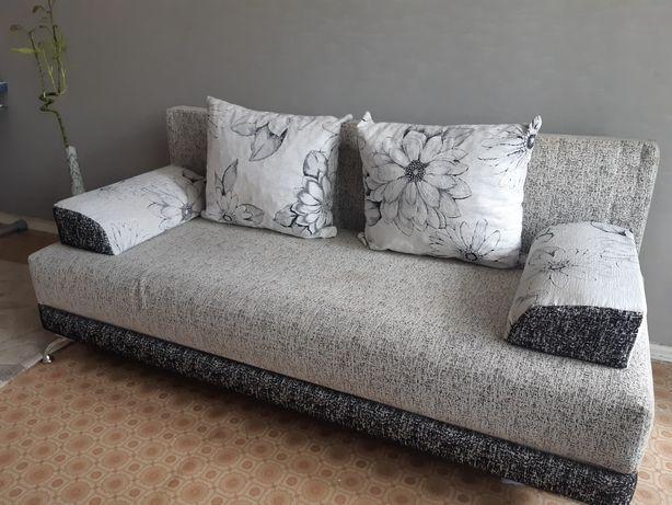 Продаю диван 15.000 тенге