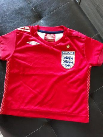 Оригинална футболна тениска на английският отбор.Марка Umbro
